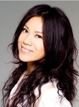 2006年以《双栖动物》获得台湾第17届金曲奖三项提
