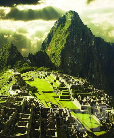 马丘比丘是世界上不多的文化与自然双重遗产之一,它伟大到让人无法理解,印加人到底如何修建了它,为什么修建它?