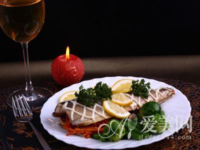 晚餐吃太晚易患结石 晚餐不科学引发8类疾病