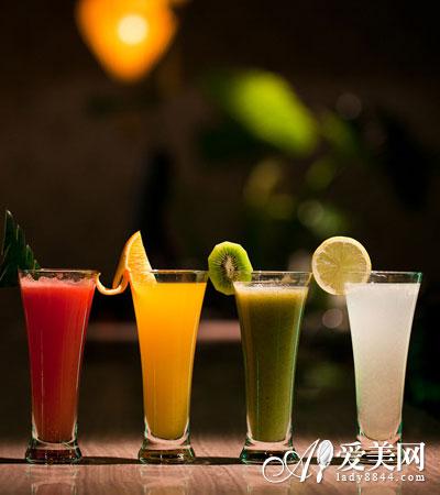 常喝果汁容易便秘肥胖 水果榨汁不如直接吃