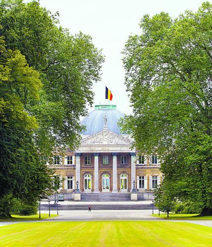 比利时国王宫邸,政治味浓