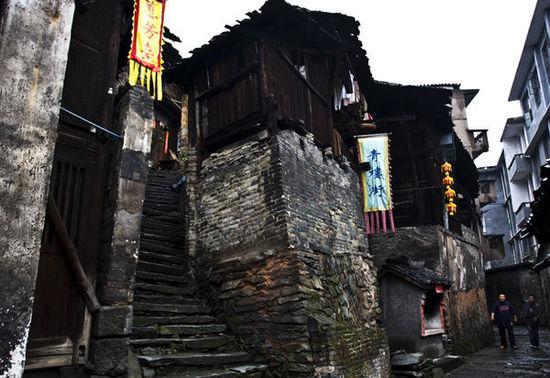 """探访""""中国第一古商城"""" 走进洪江古商城"""