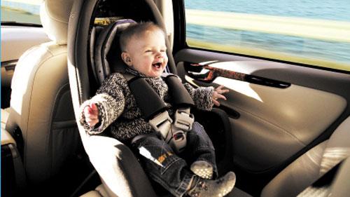 儿童安全座椅使半数遇车祸者生还