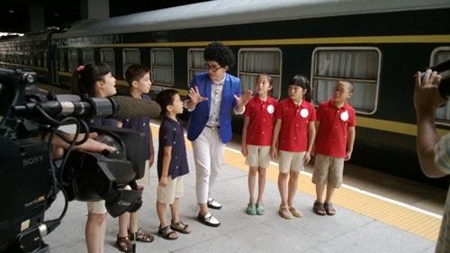 挑战大现场 8月24日节目播出 火车小达人