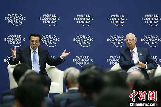 """李克强:""""总理""""和""""农民""""两岗位无贵贱之分"""