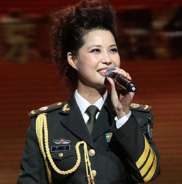 梦鸽:我没拿儿子和上海4召妓法官作对比 粤语