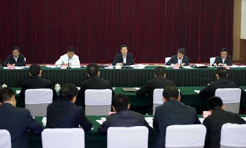 这是9月28日,张高丽参加四川省委领导班子专题民主生活会。记者 李涛 摄