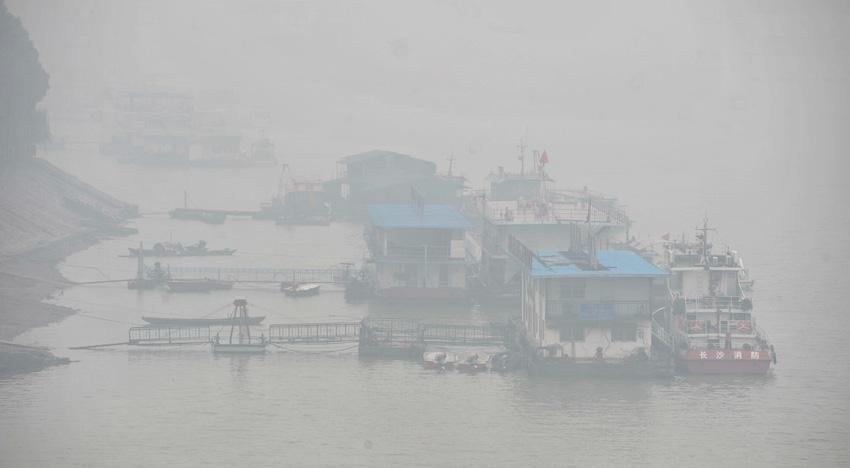 昨雾霾罩滨城城市如置仙境似海市蜃(图)