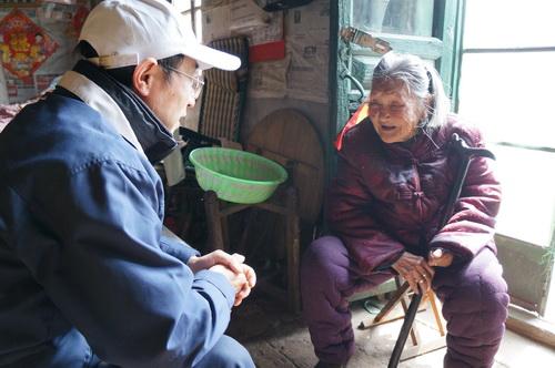 采访沂蒙六姐妹之一的张玉梅老人