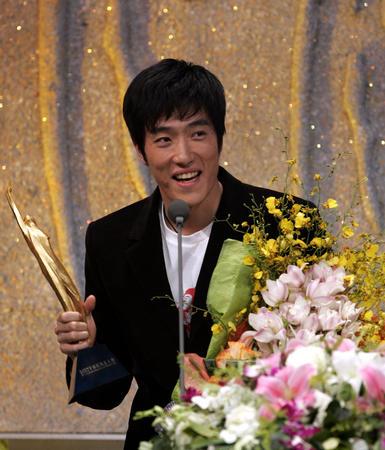 刘翔在2005年体坛风云人物颁奖盛典上。