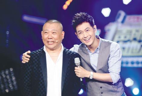 郭德纲(左)和林志颖年龄相同,但相貌却相差很大。