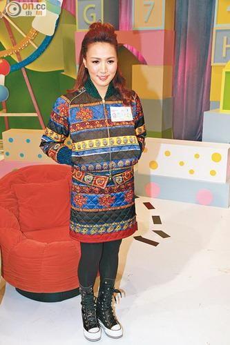 东方日报2月20日报道传出婚变的黎瑞恩(小恩子)被传在曾志伟介绍