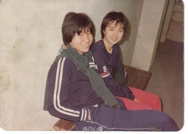 王祖贤(右)