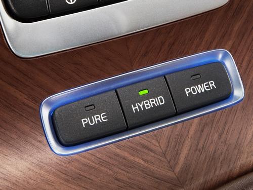 沃尔沃S60L汽油版插电混动 北京车展全球首秀