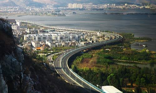 滇池沿岸兴起地开发区