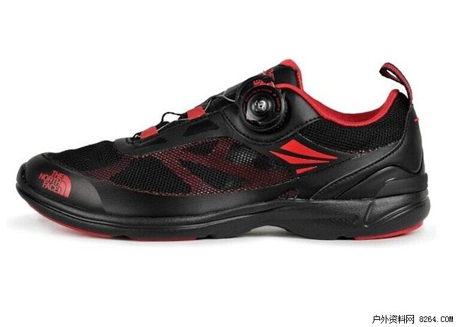 这款快干鞋采用轻便的流线型结构设计,既适合溯溪 ...