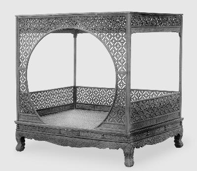 黄花梨月洞式门罩架子床