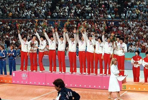 1988年的汉城奥运会半决赛中败于该届盟主苏联女排图片