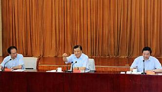 刘云山:注重接地气贴民心 找准与百姓的共鸣点
