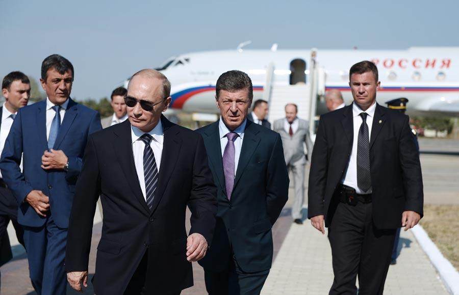 В.Путин начинает двухдневную рабочую поездку в Крым Фото ИТАР-ТАСС/ Алексей Никольский