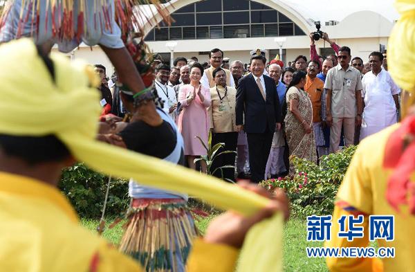 习近平抵达古吉拉特邦开始对印度进行国事访问