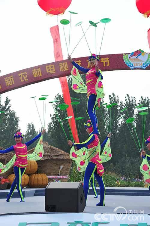 颁奖典礼所在地河南濮阳是全国知名的杂技之乡