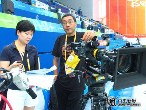 《筑梦2008》摄制组在拍摄奥运会