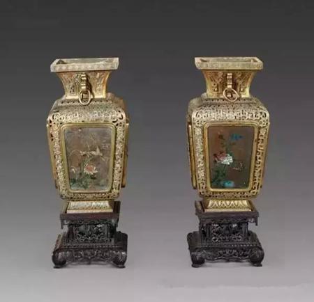 看完了古代的宫灯,让我们见识下现代人设计的创意灯具吧!