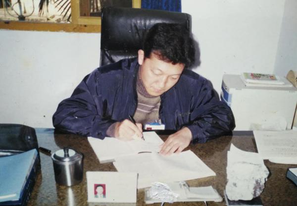 廖俊波在拿口时的工作照。
