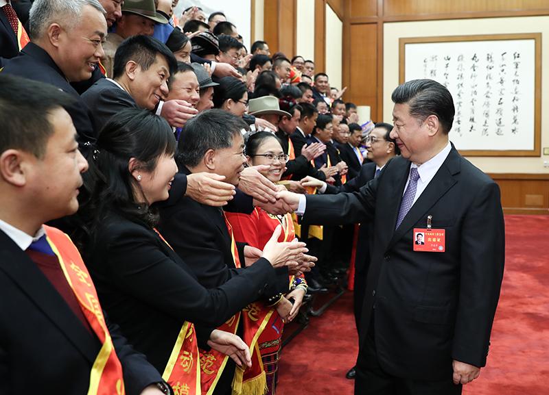 12月28日至29日,中央农村工作会议在北京举行。会前,习近平等亲切会见受邀列席全国农业工作会议的全国农业劳动模范和先进工作者代表。