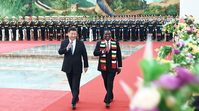4月3日,国家主席习近平在北京人民大会堂同津巴布韦总统姆南加古瓦举行会谈。这是会谈前,习近平在人民大会堂北大厅为姆南加古瓦举行欢迎仪式。