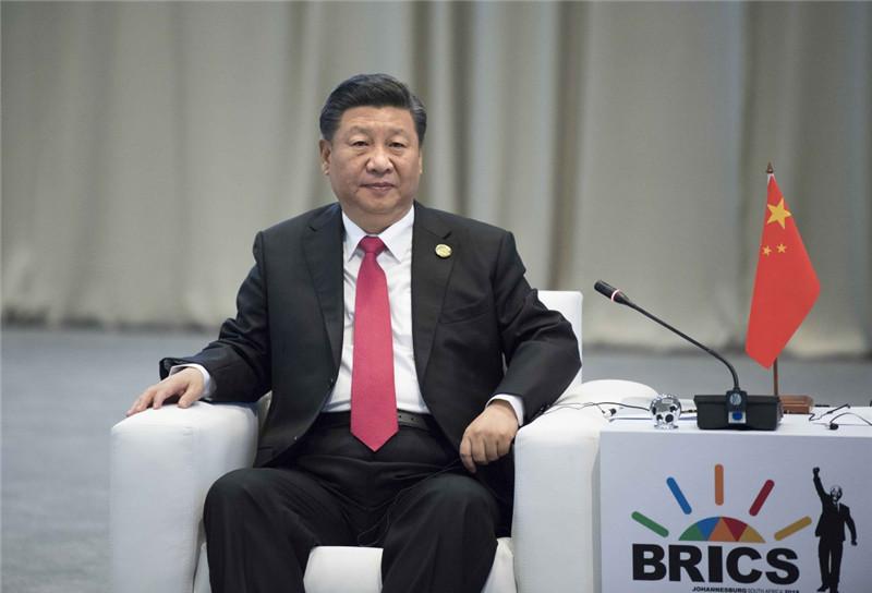 7月27日,纪念金砖国家领导人会晤10周年非正式会议在南非约翰内斯堡举行。中国国家主席习近平出席。