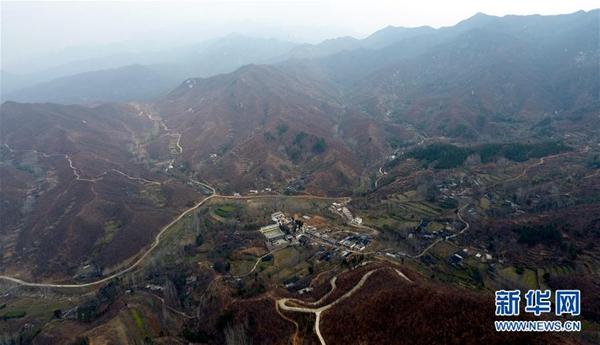 这是无人机航拍的镇平县高丘镇黑虎庙村(3月20日摄)。新华社记者 李嘉南 摄
