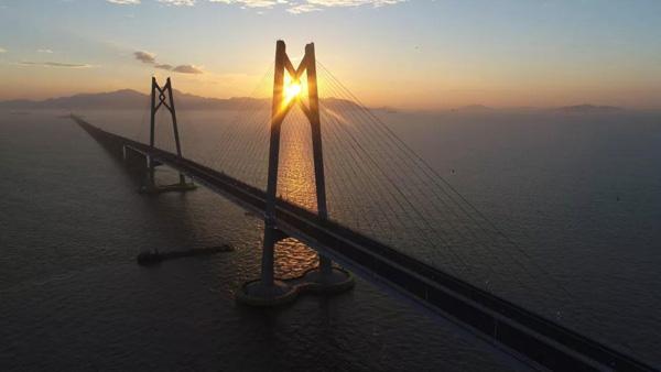 粤港澳大桥
