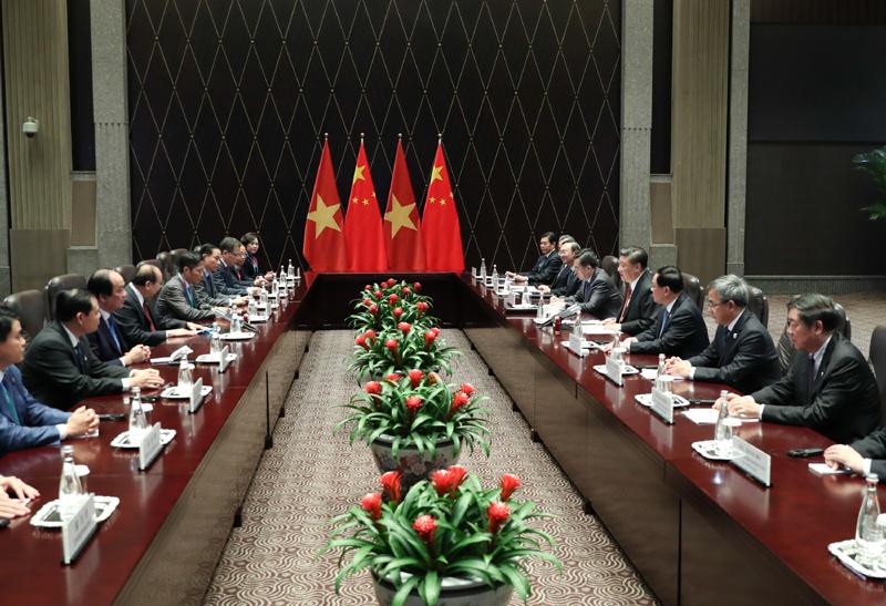11月4日,国家主席习近平在上海会见越南总理阮春福。新华社记者 姚大伟 摄