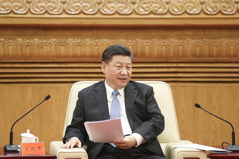 11月12日,国家主席习近平在北京人民大会堂会见香港澳门各界庆祝国家改革开放40周年访问团。