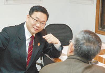 """上海市高级人民法院原党组成员、副院长、高级法官邹碧华——""""担当,是改革者必需的修行"""""""