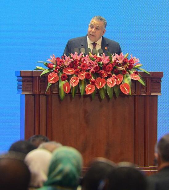 2月27日,埃及议会第一副议长谢里夫在宣介会上发言。 新华社发(丁磊 摄)