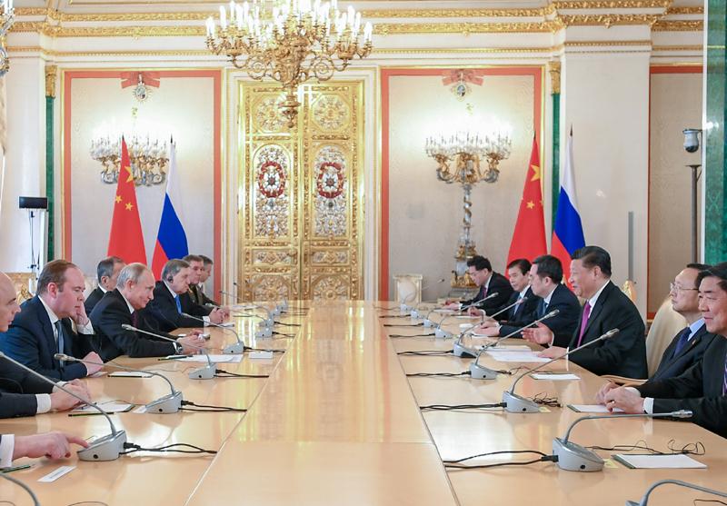 6月5日,国家主席习近平在莫斯科克里姆林宫同俄罗斯总统普京会谈。新华社记者 谢环驰 摄