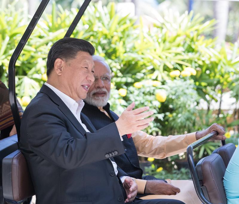 10月12日,国家主席习近平在金奈同印度总理莫迪继续举行会晤。新华社记者 王晔 摄