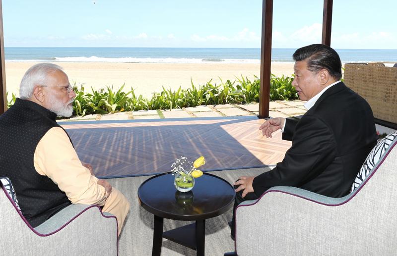 10月12日,国家主席习近平在金奈同印度总理莫迪继续举行会晤。新华社记者 鞠鹏 摄