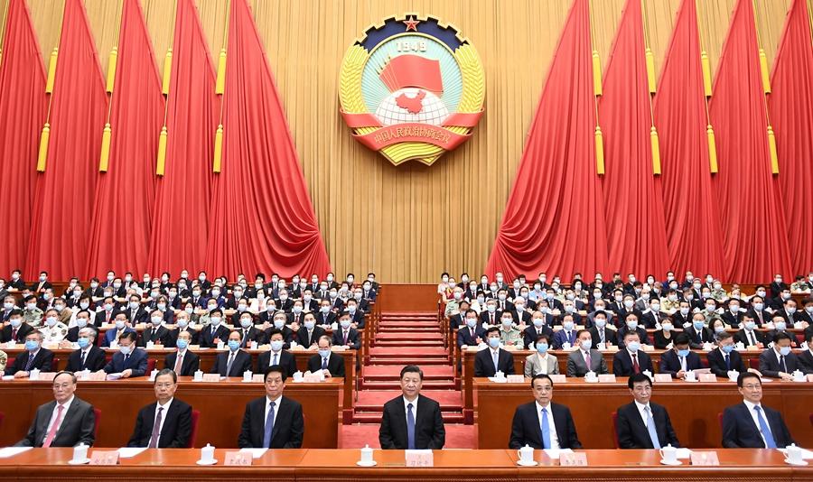 5月27日,中国人民政治协商会议第十三届全国委员会第三次会议在北京闭幕。这是习近平、李克强、栗战书、王沪宁、赵乐际、韩正、王岐山等在主席台就座。 新华社记者 谢环驰 摄