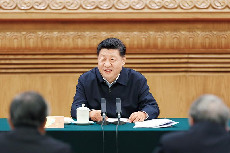 2019年3月18日,中共中央總書記、國家主席、中央軍委主席習近平在北京主持召開學校思想政治理論課教師座談會并發表重要講話。 新華社發 盛佳鵬/攝