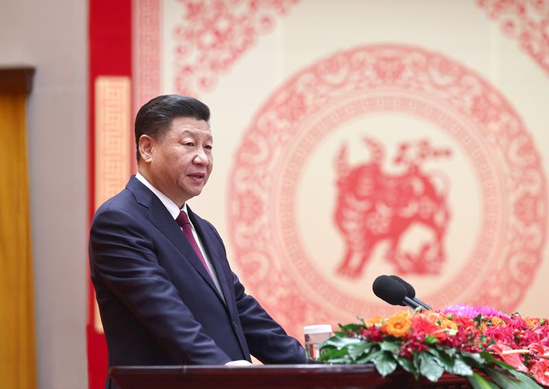 2月10日,中共中央、国务院在北京人民大会堂举行2021年春节团拜会。中共中央总书记、国家主席、中央军委主席习近平发表讲话。新华社记者 鞠鹏 摄