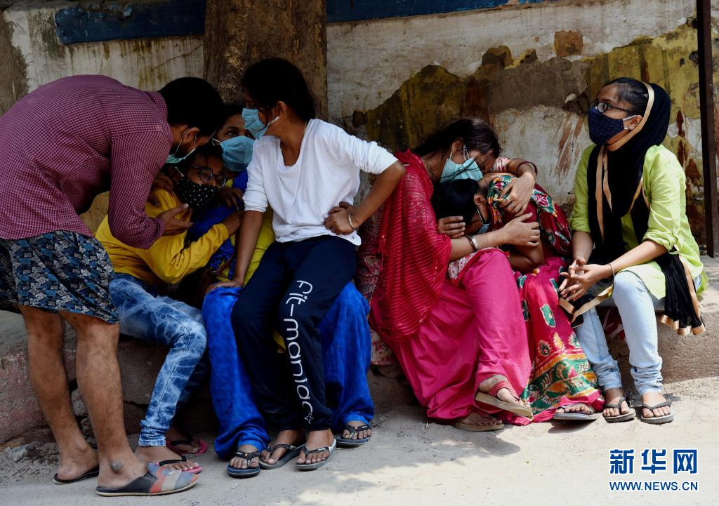印度官员表示该国第三波新冠疫情不可避免  第1张