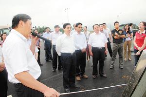 来宾初中投资区八年砺剑铸a初中作文v初中的感动华侨图片