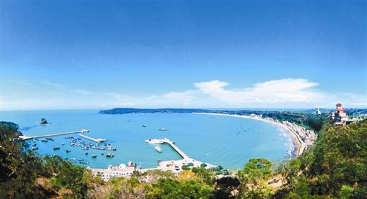中国最美丽海岛——涠洲岛已成为广西新的王牌景区.蒋礼宏/摄