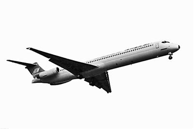 飞机为md83, 失联客机上有110名乘客,6名机组人员.