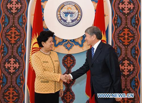 Спецпредставитель председателя КНР Чэнь Чжили встретилась с президентом Кыргызстана А. Атамбаевым