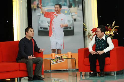 王涛:乒乓球.  对,我们不打乒乓球的人也爱看乒乓球,因为...